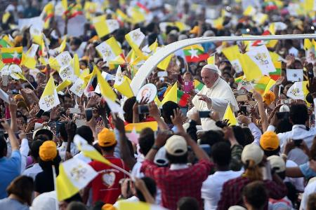 Bangladesh priest disappears days before Pope's historic visit