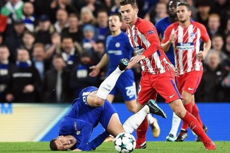 Chelsea lose top spot, may face Barca or PSG next