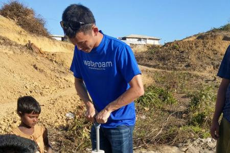 He provides clean water to Rohingya refugees