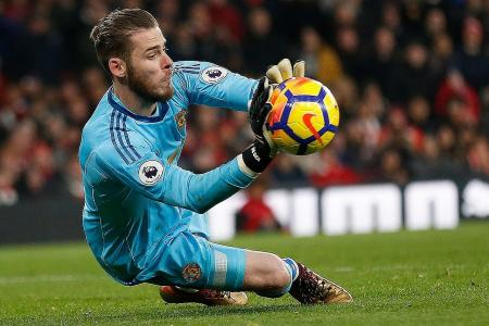 Man United's de Gea says Man City should be worried about them