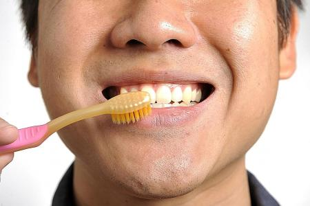 Live Right: The link between diabetes and gum disease