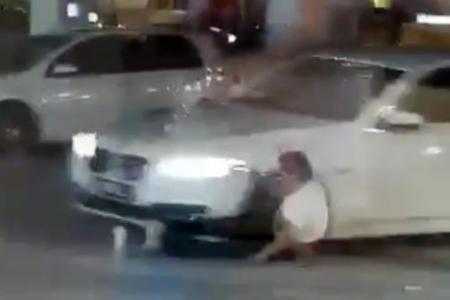 Manhunt on for JB murder suspects