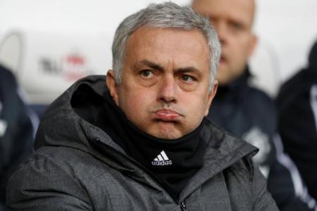 Mourinho urges managers to show 'maturity'