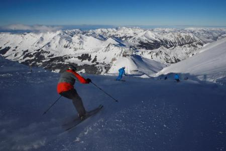 Resurgence in skiing in Swiss Alps after new 'low-cost' passes