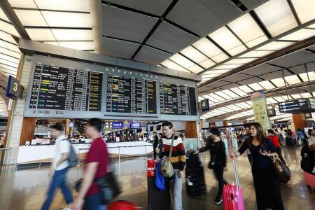 More Singaporeans travelling over two long festive weekends