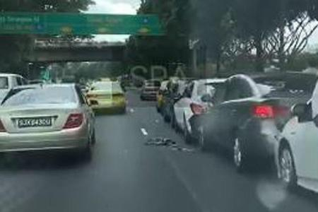 7 cars and taxi involved in chain collision on PIE