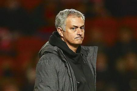 Mourinho: City have an extra day's advantage