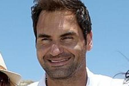 Federer aims to keep expectations in check