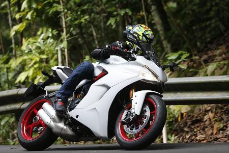 Sporty but comfy Ducati SuperSport S