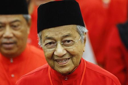 Mahathir says non-Malay votes will aid Opposition in M'sian election