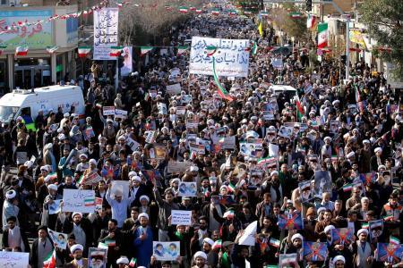 Huge pro-regime rallies in Iran as protests die down