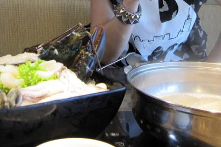 Be happy as a clam with steamboat
