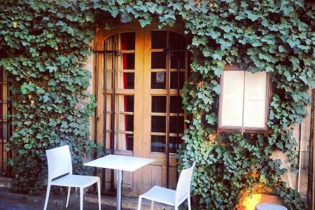 Top romantic spots in Paris