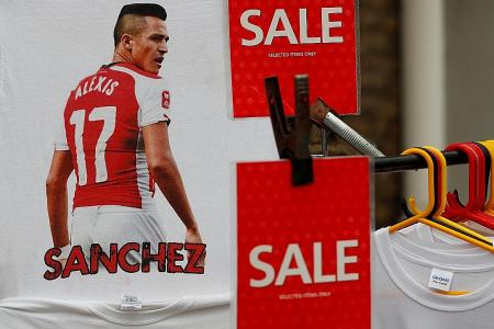 Whiteside: Man United will Champions League with Sanchez