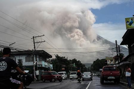 Hazardous eruption imminent for Mayon