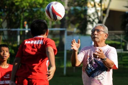 Singapore football great Majid Ariff dies at age 80