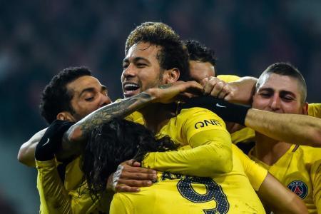 Neymar nets free-kick as PSG go 11 points clear