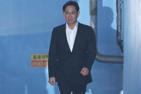 Samsung scion Lee freed as S Korea court suspends jail term