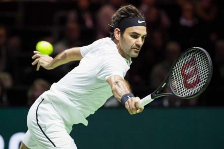 Federer one win away from being oldest world No. 1