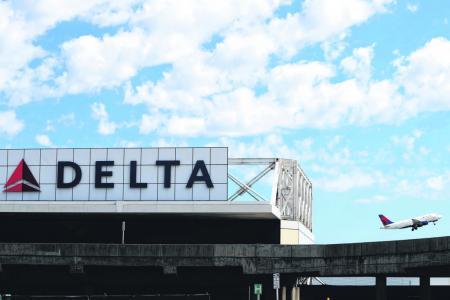 Delta, United abandon US gun lobby after Florida shooting