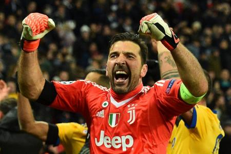 Spurs slip as Juventus enter last eight