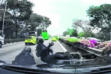 Two Rapid Deployment Troops officers hurt in PIE crash