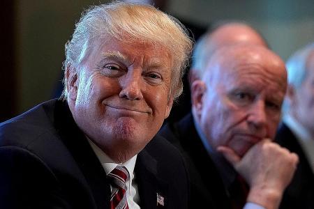 Trump blocks Singapore-based Broadcom's bid to buy Qualcomm