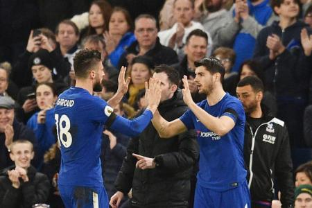 Don't play Hazard up front, say former Chelsea players