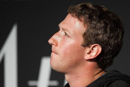 Zuckerberg apologises for Facebook mistakes with user data