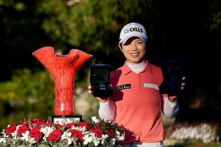 Hole-in-one helps Ji to win Kia Classic for fourth title
