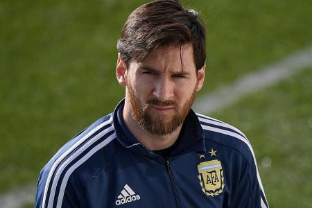 World Cup's like a revolver to Messi's head, says Sampaoli