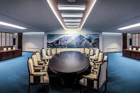 Chairs and dessert, Korea summit awash with symbolism