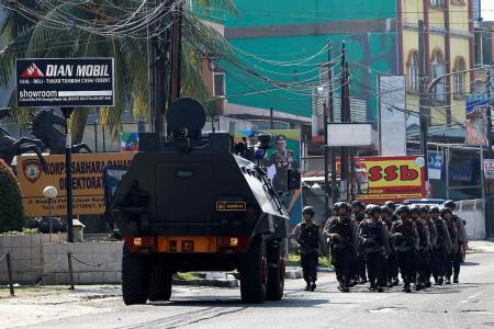 Terrorist inmate, 5 anti-terror officers dead in Indonesia prison riot