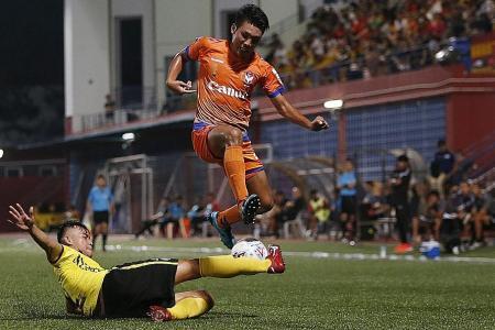 Morinaga scores hat-trick as Albirex make it a perfect 10