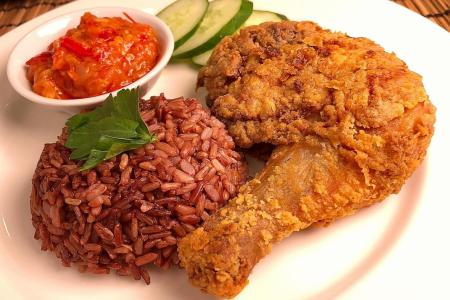 Smashing good ayam penyet (fried chicken)