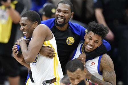 Warriors complete sweep of Cavs for 3rd NBA title in 4 years
