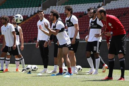 Salah joins Egypt in his first training session since shoulder injury
