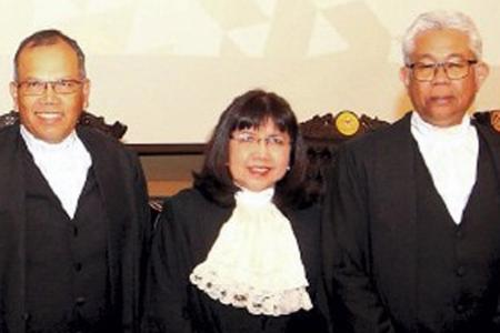 Two top Malaysian judges resign