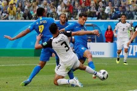Coutinho, Neymar leave it late as Brazil win 2-0