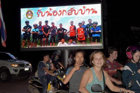 Thailand and the world celebrate rescue of trapped football team