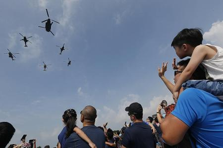 RSAF pilots wow crowds by pushing their flying skills to the limits