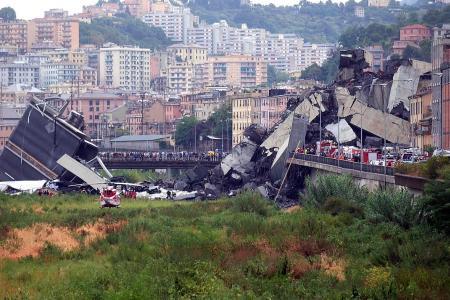 22 dead in Italy after motorway bridge collapses