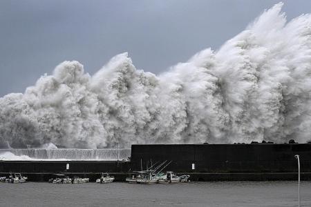 Dead, 160 Injured as Typhoon Jebi Slams Japan