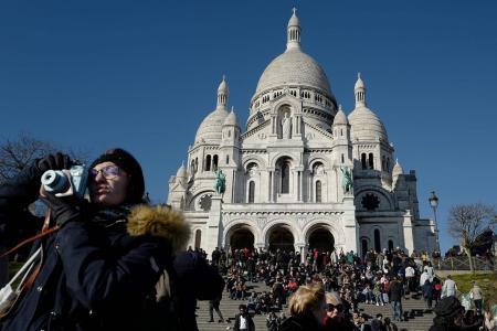 Mass tourism sparks battle for Montmartre's soul