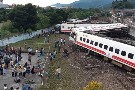 At least 22 dead and 171 injured in Taiwan train derailment