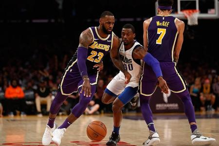 Lakers squander 14pt lead before triumphing