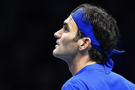 Federer has to wait for 100th title