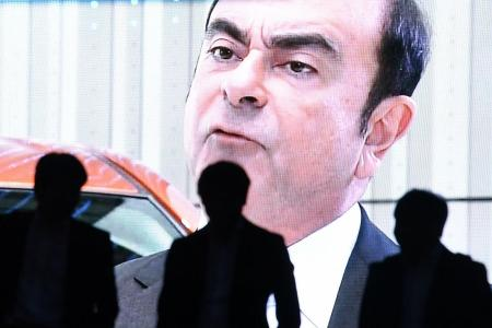 French minister: Carlos Ghosn not fit to lead Renault