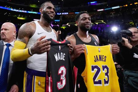 LeBron can turn Lakers into title contenders: Wade