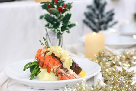 Enjoy Christmas, New Year menus on Royal Caribbean cruise liner